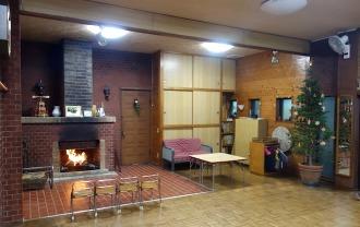 深草こどもの家の暖炉